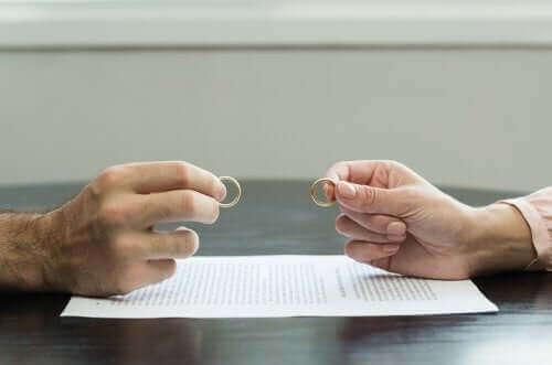 Travmatik Boşanma Sürecini Atlatmak İçin 7 İpucu