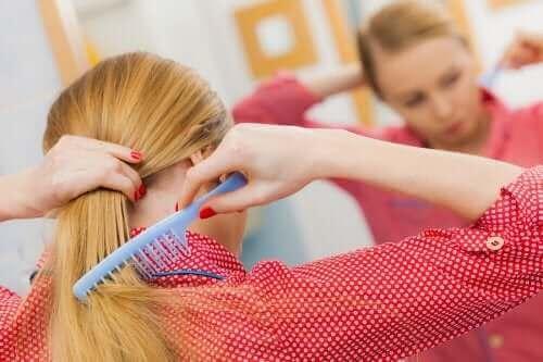Saç Dökülmesi: Sağlıklı Bir Saç Derisi İçin 5 İpucu