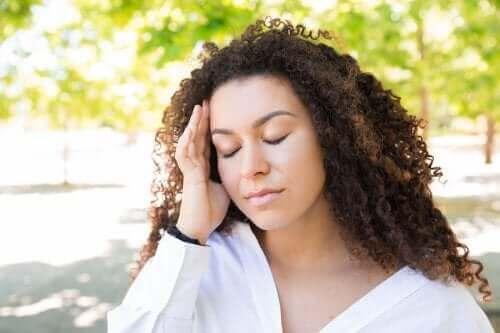 Yazın Baş Ağrısı Çekmek: Rahatlamak İçin Çözümler