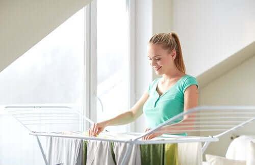 çamaşır asan kadın