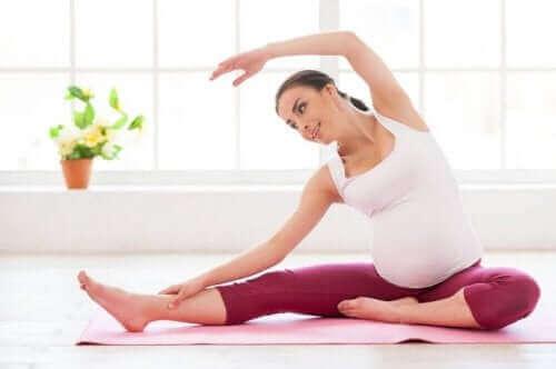 spor yapan hamile kadın