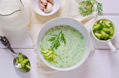 Salatalık ve Avokado Çorbası