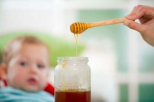 Botulizm: Bebekler Neden Bal Yememeli?