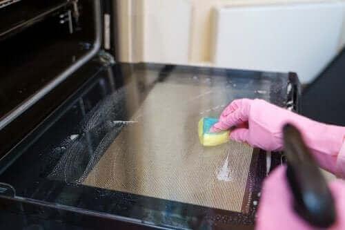 Fırın Temizleme Yöntemleri: Faydalı 5 İpucu
