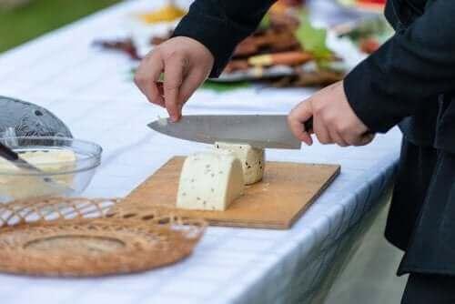 Peynir Kesmek İçin En Önemli İpuçları