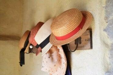 Şapkalarınız İçin Ev Yapımı Askılar