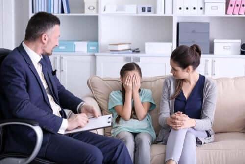 terapi kız çocuğu anne