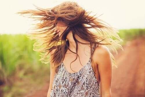 Hindistan Cevizi Yağı ve Kil: Saçınıza Canlılık Katın