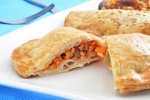 pisillo, ton balıklı bir börek