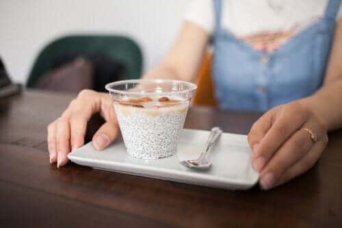 İş Yerinde Yiyebileceğiniz 6 Sağlıklı Atıştırmalık Önerisi
