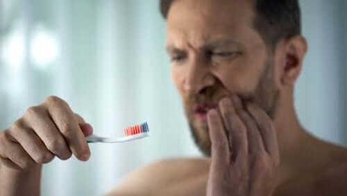 Diş Eti Kanamasını Önlemek İçin Yapılması Gerekenler