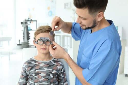 Küçük Çocuklarda Görme Sorunları Nasıl Tespit Edilir