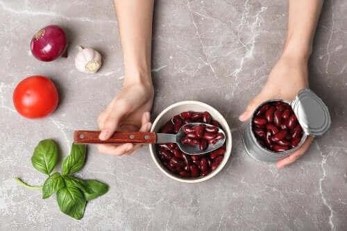 Bir Kutu Konserve Fasulye İle Yapabileceğiniz 4 Yemek