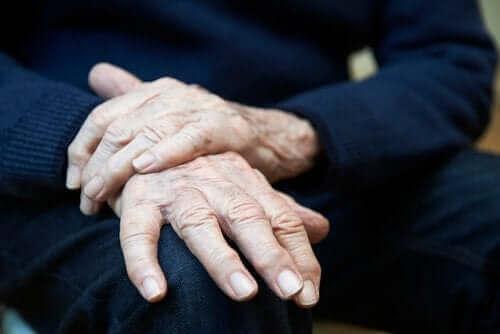 Temel Titreme: Belirtileri, Nedenleri ve Tedavileri