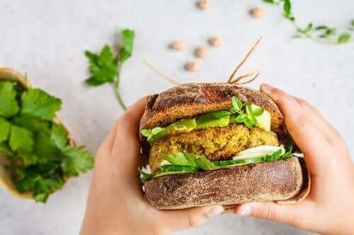 Denemeniz Gereken İki Farklı Vegan Burger Köftesi