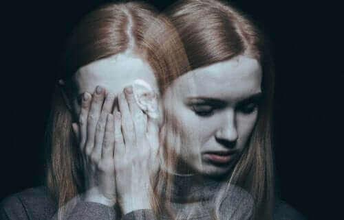 Öz güvensizlikten ötürü anorgazmi yaşayan kadın