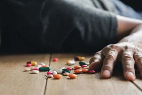 ilaç zehirlenmesi ve beş çeşidi