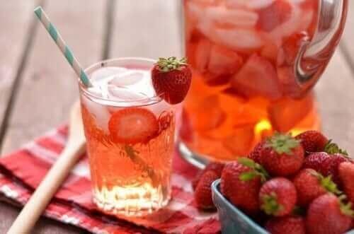 meyve aromalı içecekler