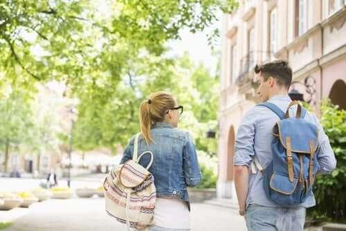 Okul Sırt Çantaları ve Sırt Ağrısı