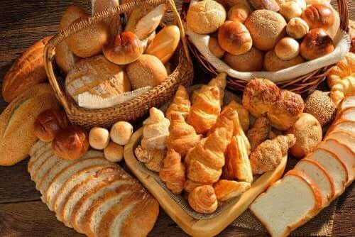 Many different types of bread.