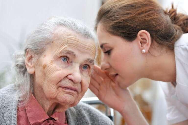 yaşlılıkta işitme kaybı