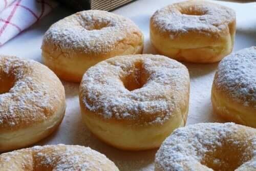 Süt Reçeli Dolgulu Lezzetli Ev Yapımı Donutlar