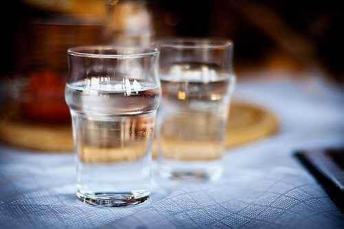 İki bardak su.