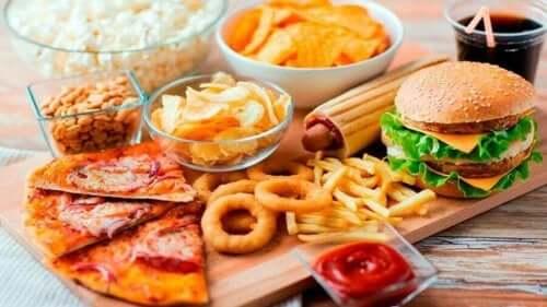 Hamburger pizza gibi zararlı gıdalar