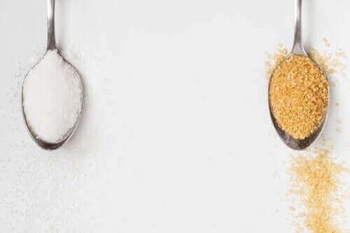 Esmer Şekerin Özellikleri: Beyaz Şekerden İyi Mi?