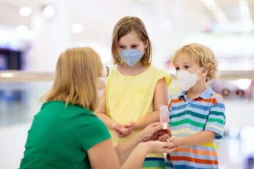 Çocuklarda Koronavirüs: Bilmeniz Gereken Her Şey