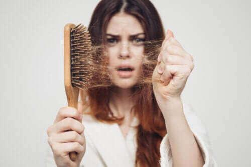 Mevsimsel Saç Dökülmesi: Neden Sonbaharda Olur?