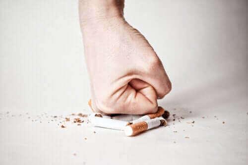 Sigara İçmeyi Bırakmak: Farklı Aşamalarla Başa Çıkış