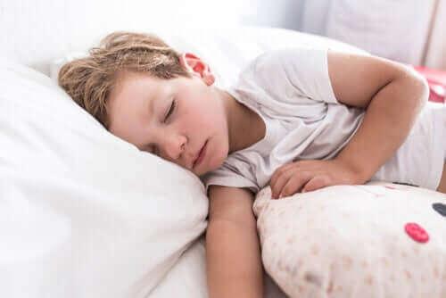 uyuyan erkek çocuğu
