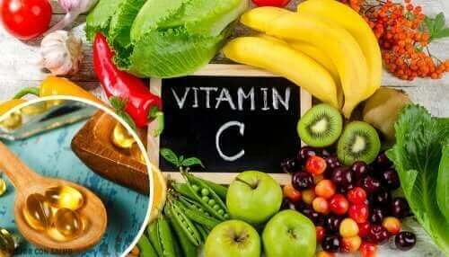 Fruits and vegetables containing vitamin C