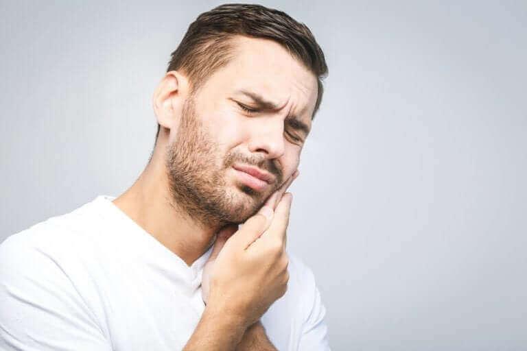 yirmi yaş dişi ağrısı