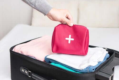 Seyahat İlk Yardım Seti Nasıl Hazırlanır?