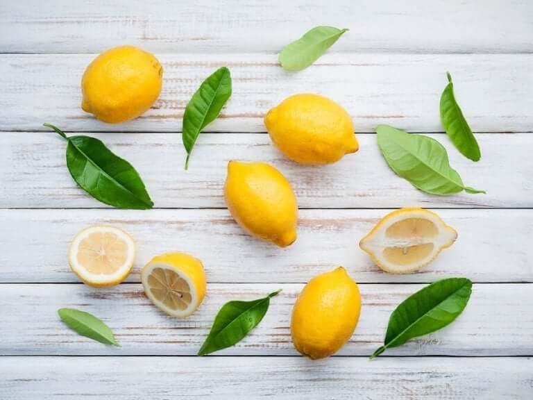 Limonun Özellikleri ve Limon İçeren Doğal Tedaviler