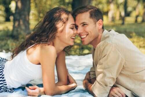 Sevgi Dolu Bir İlişkiyi Sürdürmenin Anahtarları