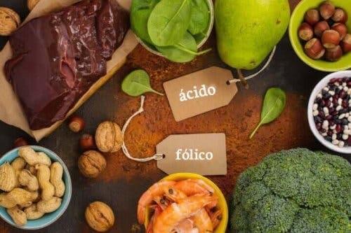 Bol folik asit içeren gıdalar.