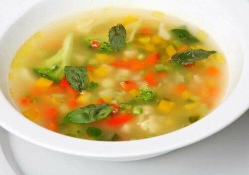 Tüm Aileniz İçin Dört Sebze Çorbası