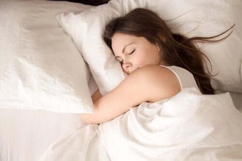 Gün Boyunca Yaptıklarınız Uykunuzu Etkiler