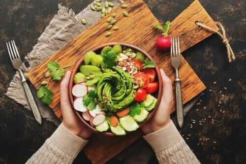 Denemek İsteyebileceğiniz Beş Avokado Salatası