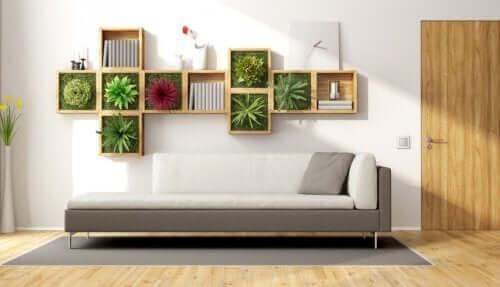 Bitkilerle yapılmış bir dekorasyon.
