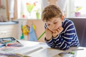 Çocuklarınızın Çalışma Alanını Düzenleyen El Sanatları