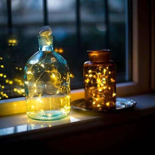 Kavanozlarla yapılmış lambalar.