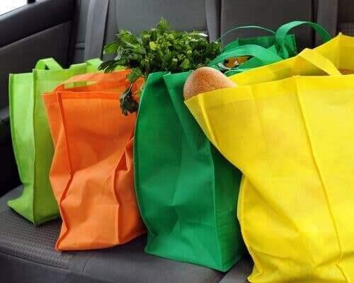 Kumaş alışveriş torbaları.
