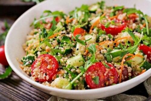 3 Lezzetli ve Sağlıklı Kinoa Salatası