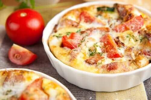 Peynir ve jambon bu yemeğe harika bir lezzet verecektir.