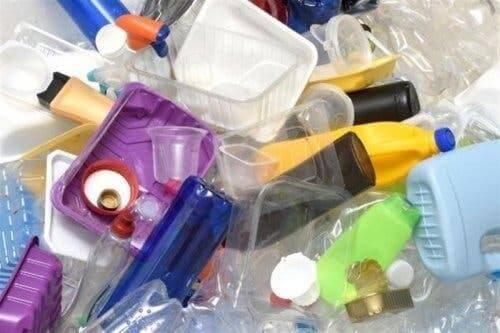 Plastik atıklar.