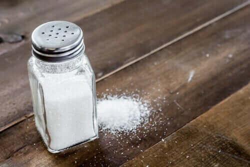 Düşük sodyum diyeti, çeşitli hastalıkların belirtilerinin azaltılmasında etkili olabilir.